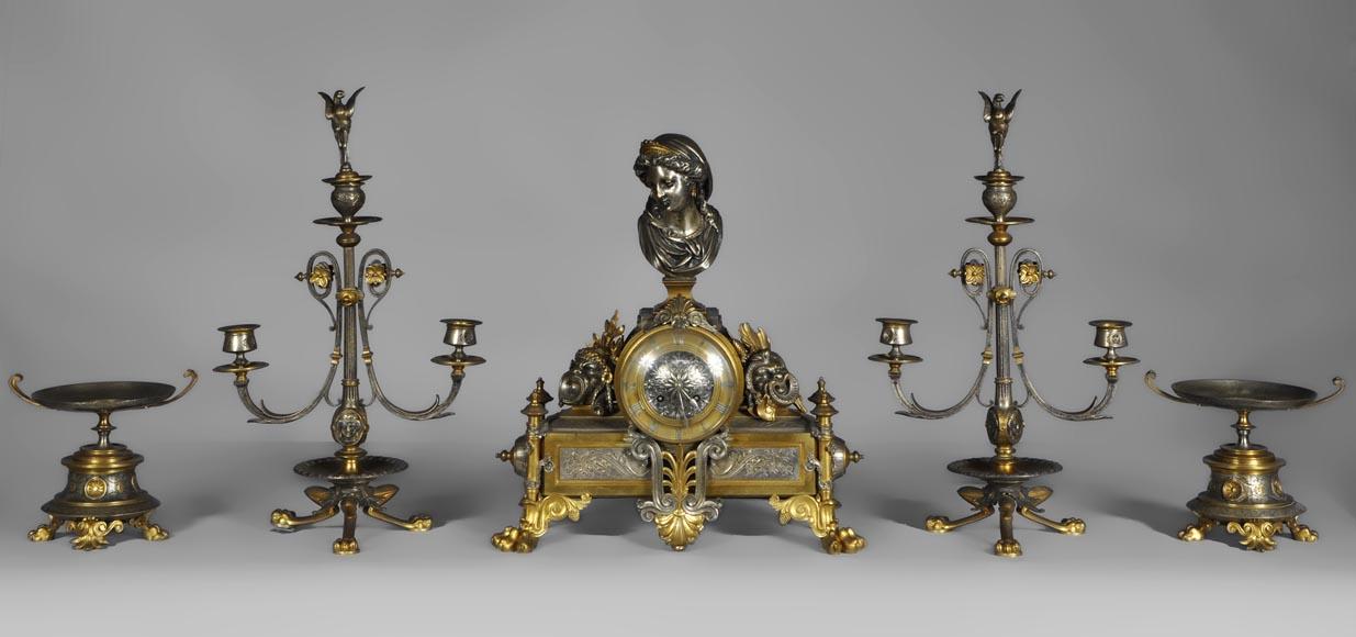 garniture de cheminee en bronze a deux patines de style napoleon iii aux masques de comedie antique
