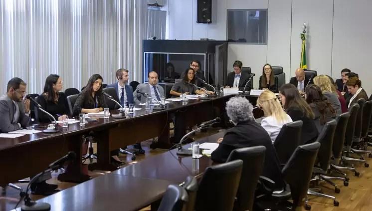 Brasil e EUA discutem melhorias regulatórias que geram desburocratização, simplificação e redução de custos no comércio exterior