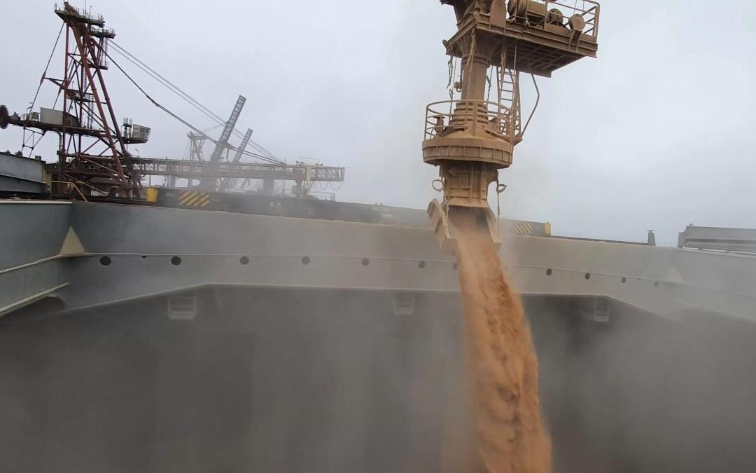 Port of Paranaguá embarks record volume on a single ship