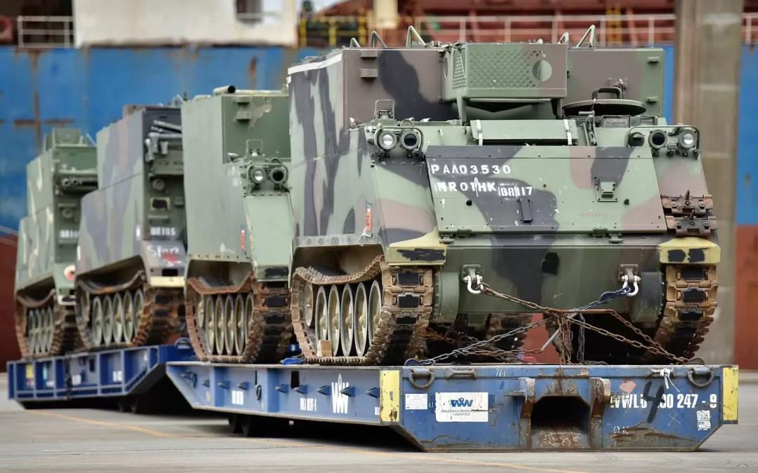 Operação especial recebe tanques blindados no Porto de Paranaguá