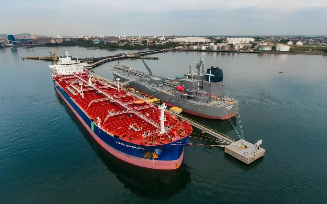 Porto de Paranaguá recebe mais um grande navio-tanque