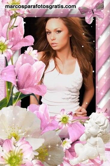 Hermoso marco con muchas flores y angelito