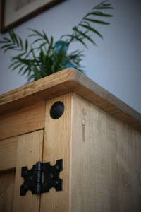 We've used traditional joinery technique to craft a solid and ensuring aquarium cabinet of superior quality. We used Mexican Pine style black metal studs, hinges and handles to create a classic vintage farmhouse style to suit your living space.