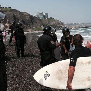 prohibido hacer surf
