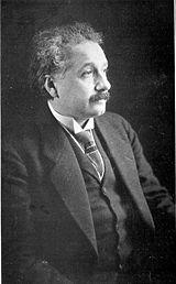أينشتاين، 1921. عمر 42.