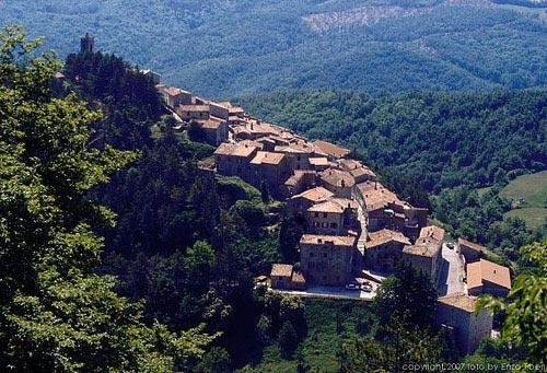 https://i1.wp.com/www.maremmaguide.com/image-files/italian_villages_500.jpg