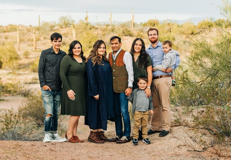Family Pictures at Papago Park   Arizona Family Photographer