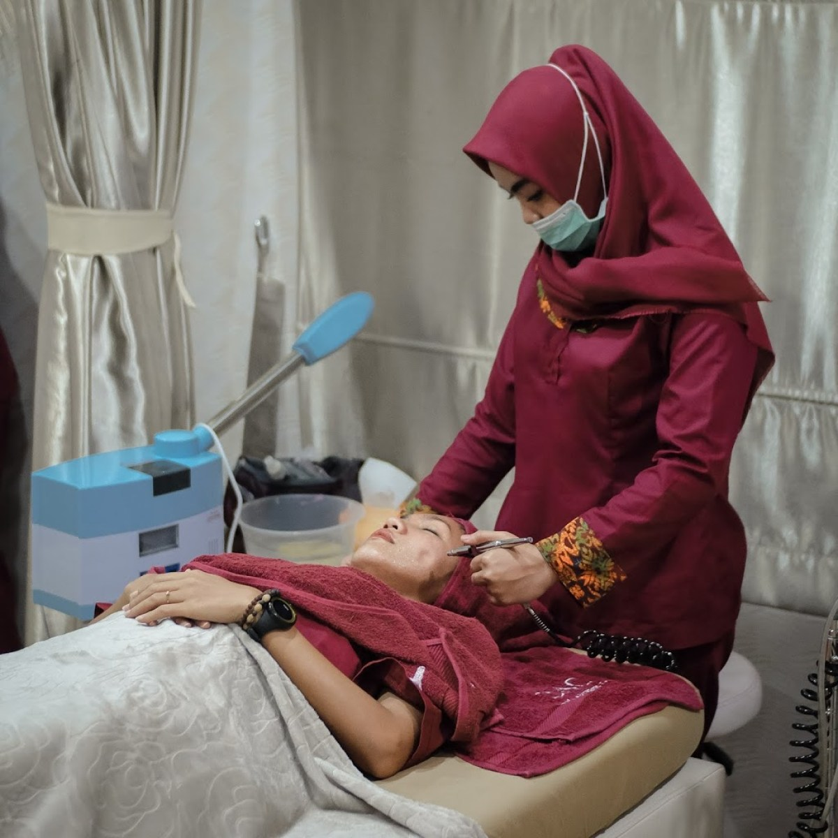 Treatment Facial di Enhaka Beauty Care