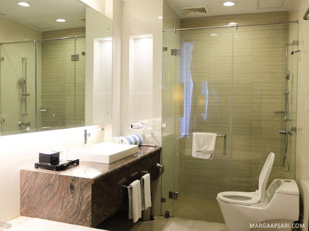 Suasana kamar mandi