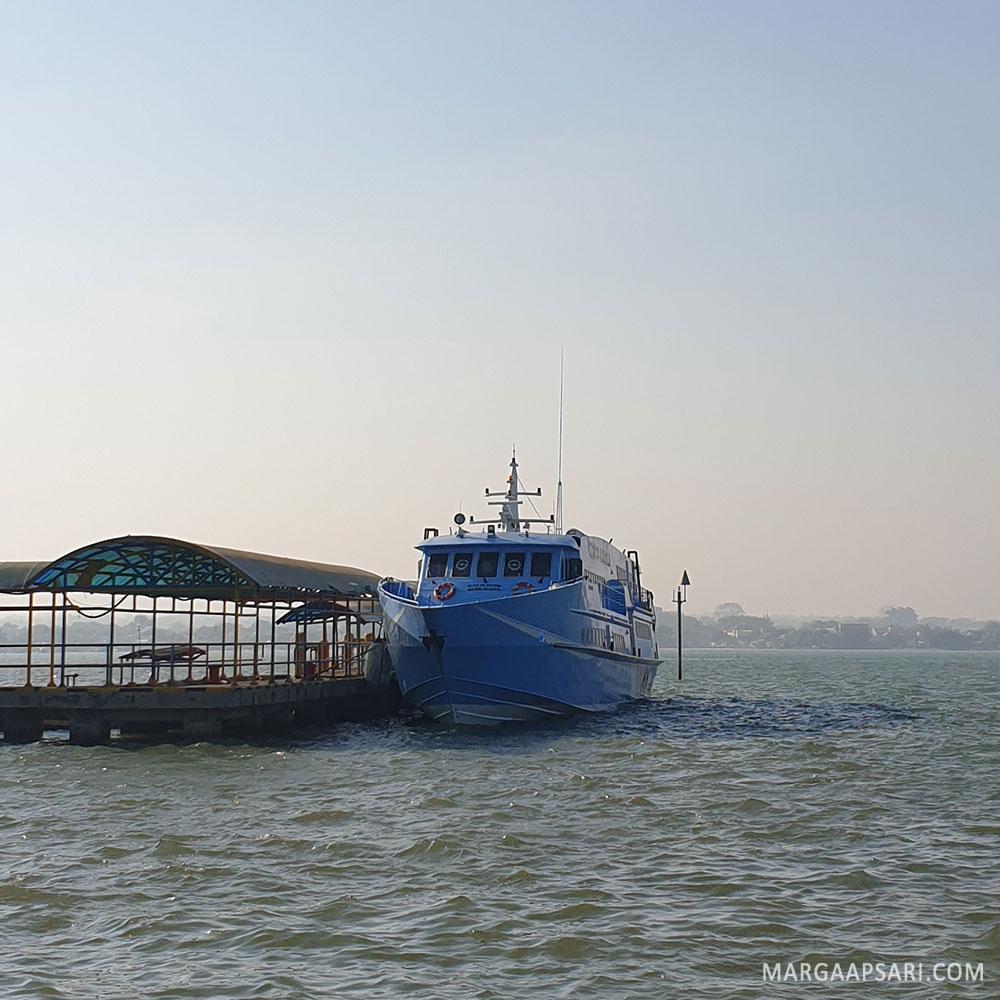 Kapal Express Bahari tujuan Karimunjawa