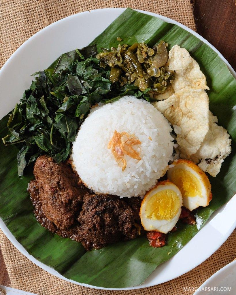 Nasi Rendang Ala Mandeh