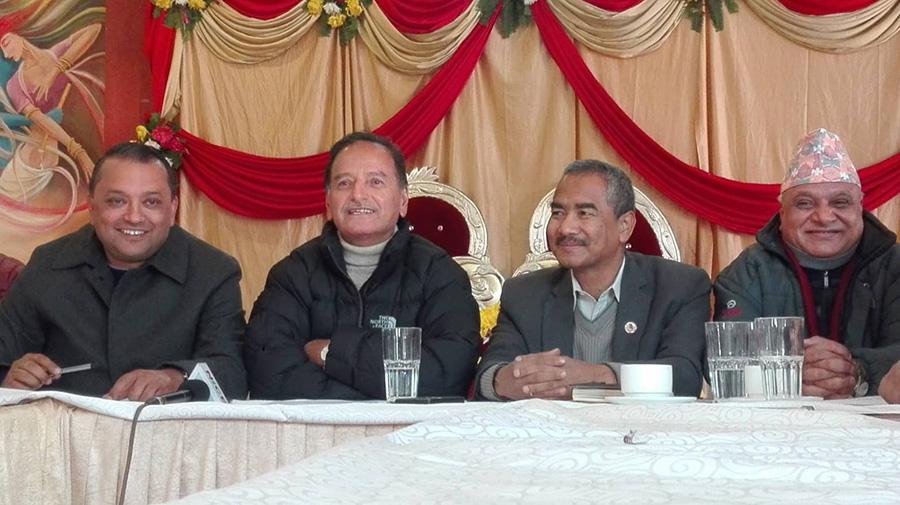 नेपाली कांग्रेसका पूर्वमहमन्त्री कृष्णप्रसाद सिटौलाले आगामी जेठभित्रै १४ औं महाधिवेशन गर्ने प्रस्ताव