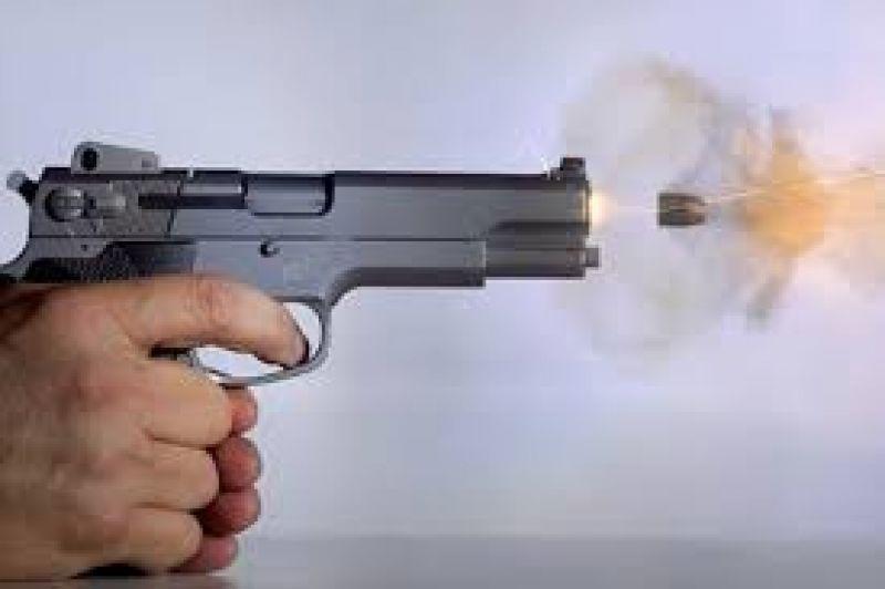 तस्करले प्रहरीको पेस्तोल खोसेर गोली चलाउँदा तस्कर नै घाइते