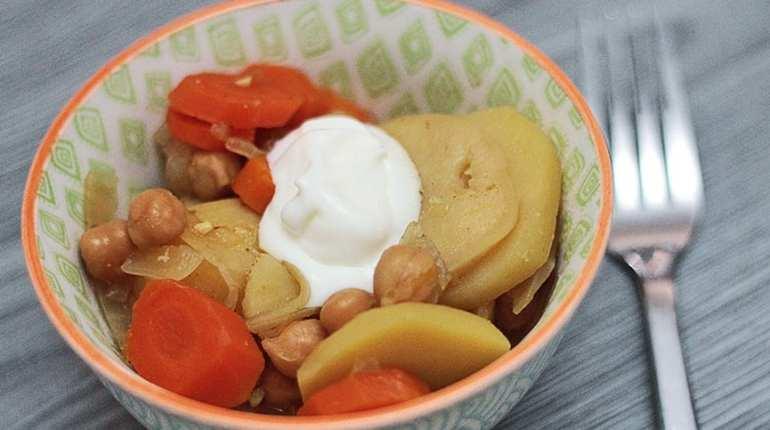 Ragoût de pommes de terre et pois chiches à la mijoteuse