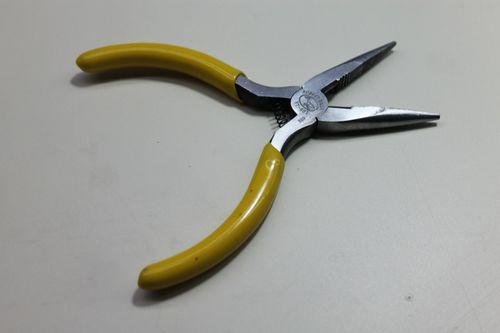 Needle-nosed pliers.jpg