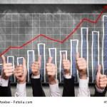 Top-Daumen vor positiver Statistik