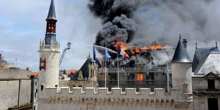 Histoire d'une renaissance - Hotel de ville de La Rochelle © Julien Chauvet, mairie de La Rochelle