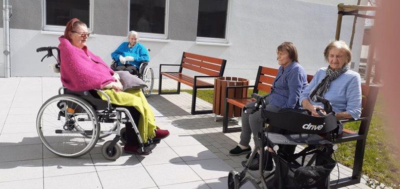 Sonne-im-Hof im ASPIDA Pflegecampus Plauen