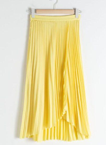 gula kläder och accessoarer kjol