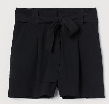 Svarta shorts