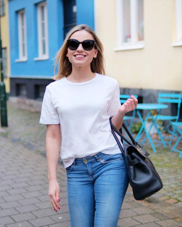 Jeans och T-shirt outfit
