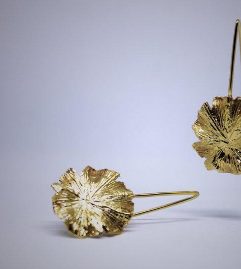 Pendientes-orbiculares-en-oro-amarillo