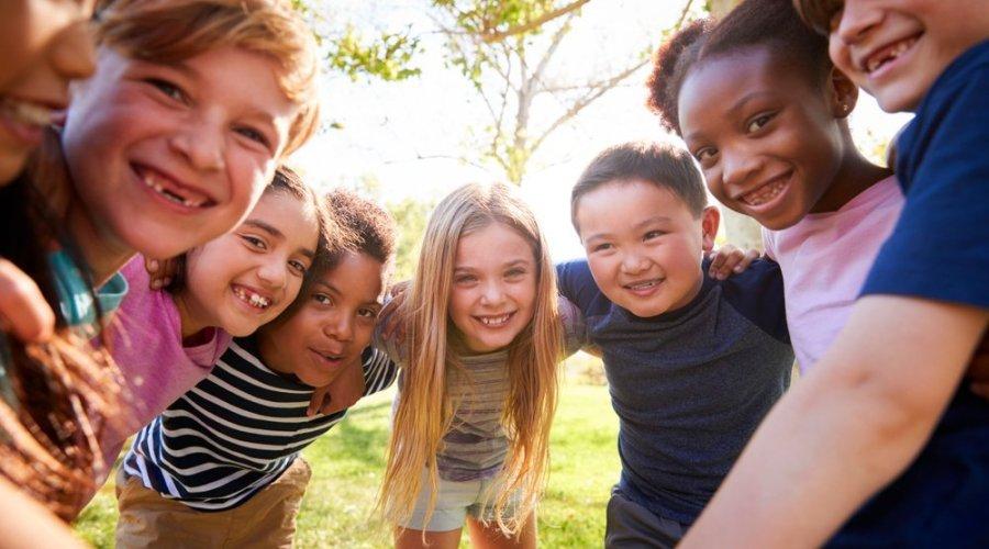 bambini felici e sani