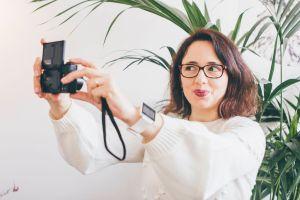 Maria Feliz e a sua máquina fotográfica