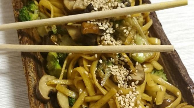 Espaguetis de Maiz con champiñones y brócoli