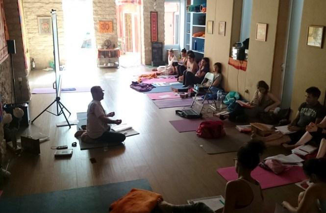 Cómo llegué a Prana, Escuela de yoga
