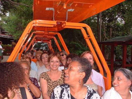 Maria Juliana disfruta junto a un gran grupo de las asistentes