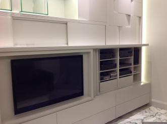 Un alloggio per tutti i componenti tv