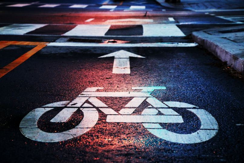 Famly touring bikes, bicycle road sign;