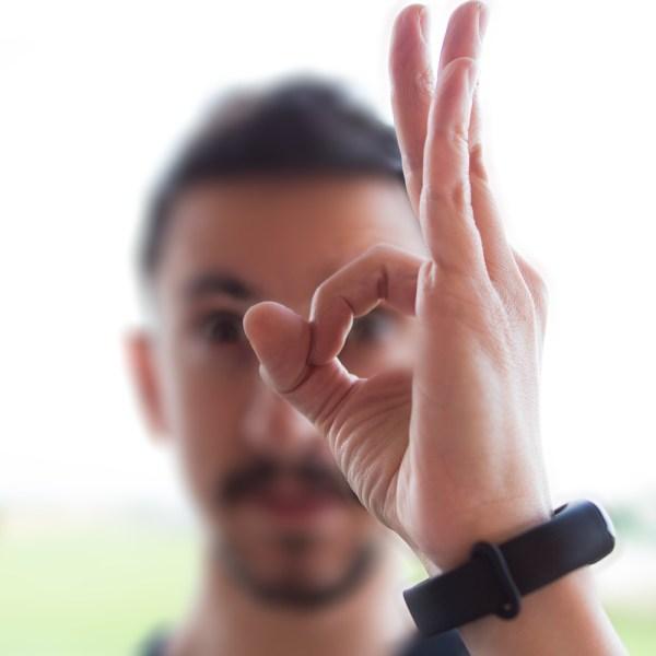 Ok-gestualità mano-significato
