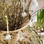 Dekorer ute med grønt til påske