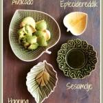 Avokadomos med honning og sesamolje