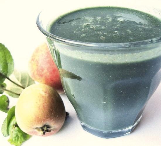 Grønn-og-sunn-frokost-med-spirulina