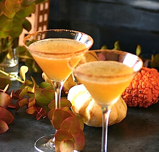 HAPPY-HOUR-Drink-cocktail-Pumpkin-Pie-Wonderland-Halloweendrink
