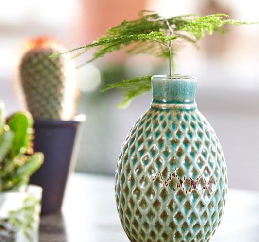 GRØNT ER SKJØNT Blomster, vaser og potter