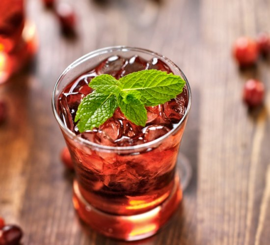 OPPSKRIFT PÅ DRINKER OG COCKTAILS Solbær- og tranebærshot