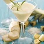 Alkoholfri Piña Colada-drikk med ananas, kokos og banan