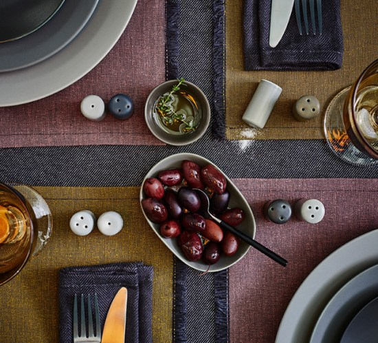 BORDDEKKING Dekk bordet i rustikk stil