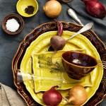 Festbord med grønnsaker som dekor