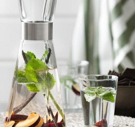 Vann med smak - epler og kanel