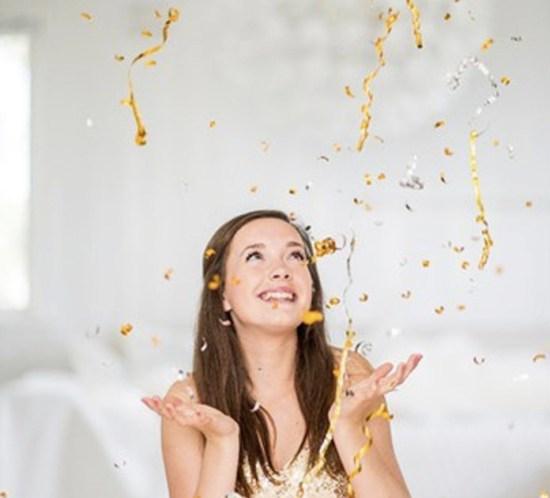 NYTTÅRSAFTEN Pynt med konfetti i gull