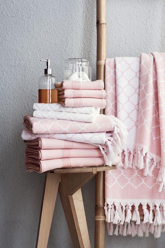 BADEROM - tips - blogg - interiortips - rosa - tilbehør