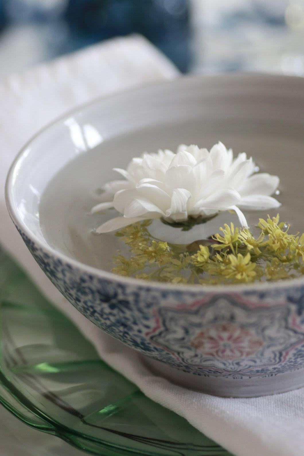 Blomsterpynt til festbordet