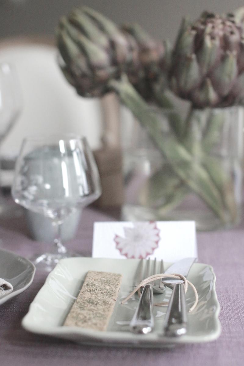 009-gratt-gront-og-lavendel-bord