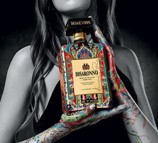 disaronno-wears-etro