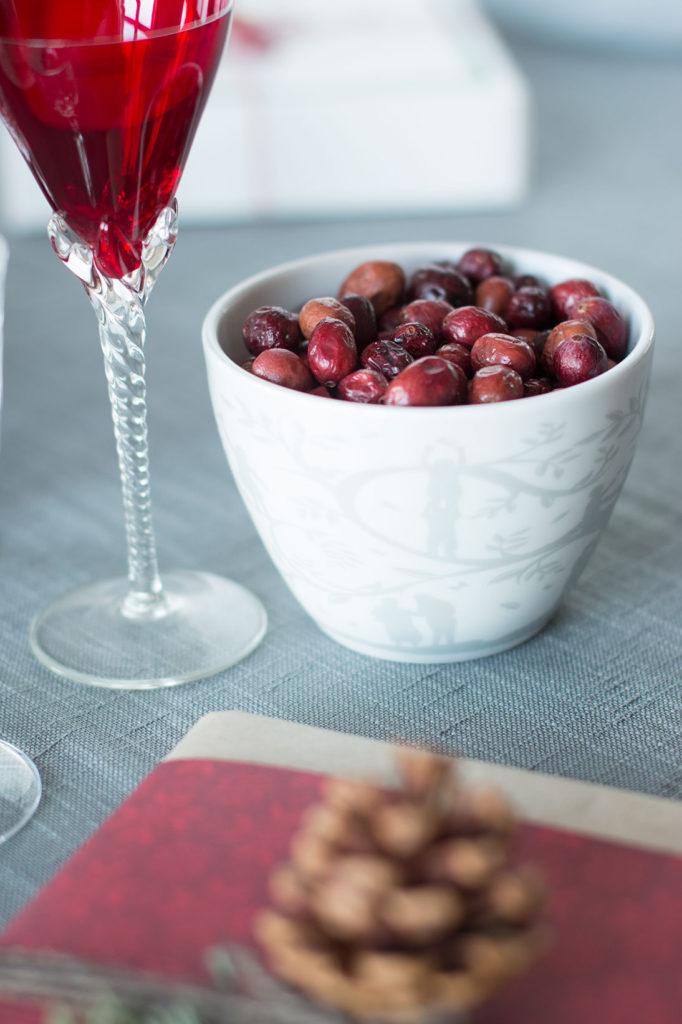 borddekking-pynting-av-klassisk-og-koselig-julebordjpg